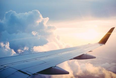 Vue du ciel depuis une aile d'avion